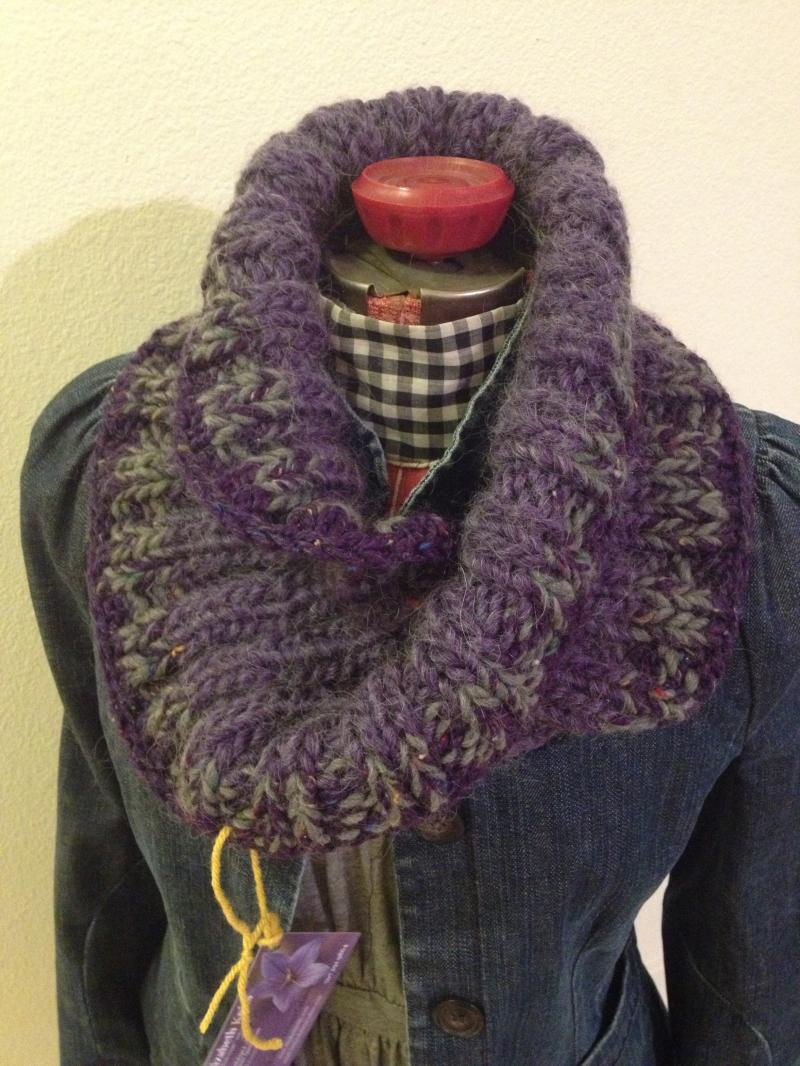 Crafty twisted Cowl  so easy   Really